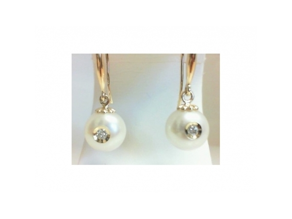 Pearl Earrings by Galatea
